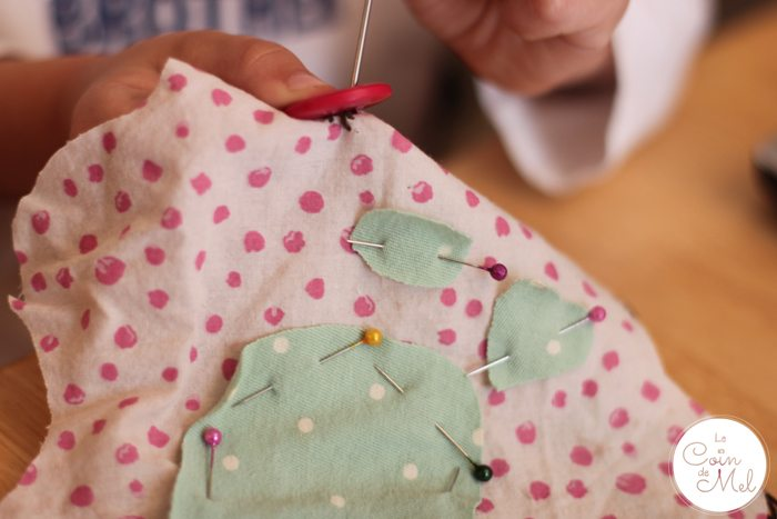 A Sewing Project for Beginners - Making a Teddy - Sewing the Eyes