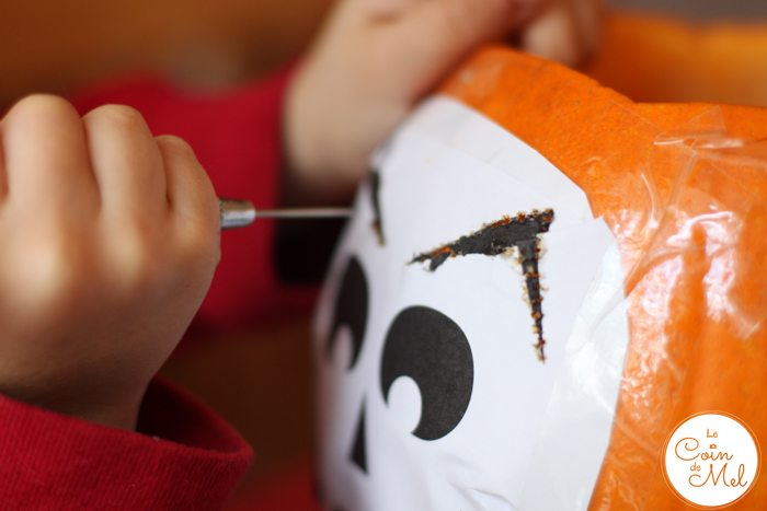Carving Pumpkins - Outline by Crevette