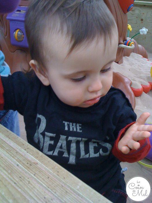 Crevette rocking a Beatles' T-shirt
