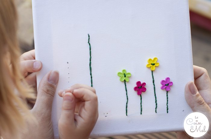 10 Minute Crafts - Make a Garden-Themed Picture - Helping Beanie put thread through