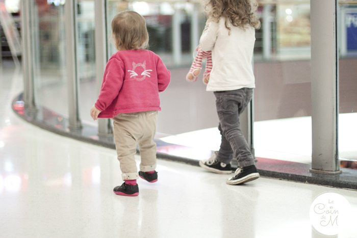 When Should My Baby Start Walking - A Walk with her Big Sister