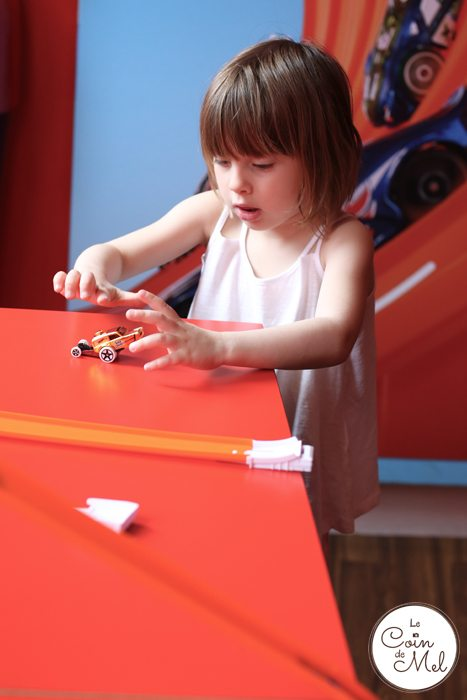 Fast Cars, Yummy Cupcakes & Two Happy Kids - Fun with Hot Wheels