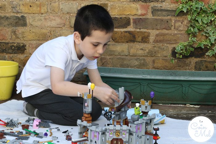 Sunshine, Kinder Bueno Milkshakes, Play Dates & LEGO® - Building in the garden