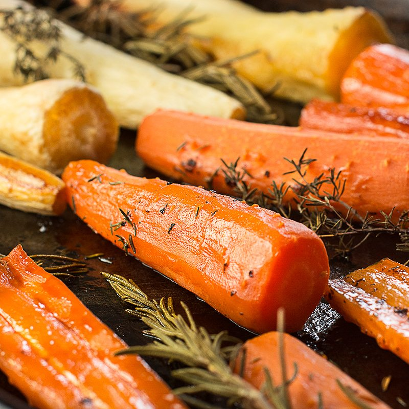 Charlotte's roasted carrots with honey - a delicious, allergy friendly recipe perfect for Christmas buffets