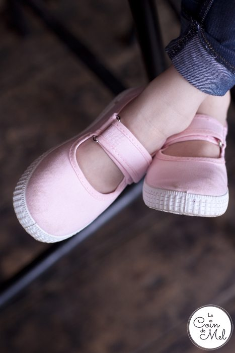 Shoes from Cienta Kids UK are eco-conscious, made from natural materials, machine washable, kind to growing feet, super stylish & berry-scented.