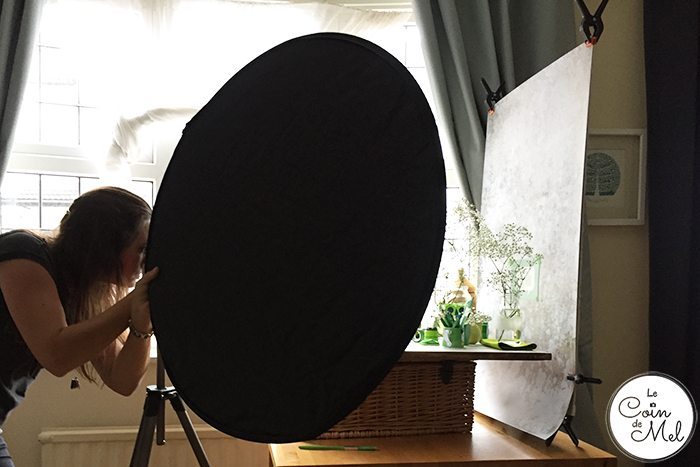 Need some tips to style photos for your blog & social media photos? Look no further! Backgrounds, where to find props, recommended courses - it's all there! - reflector