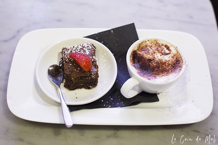 We love the 3-course Piccolo menu at PizzaExpress, the Bambinoccino that comes with dessert & all activities. The allergy-friendly options are also amazing!