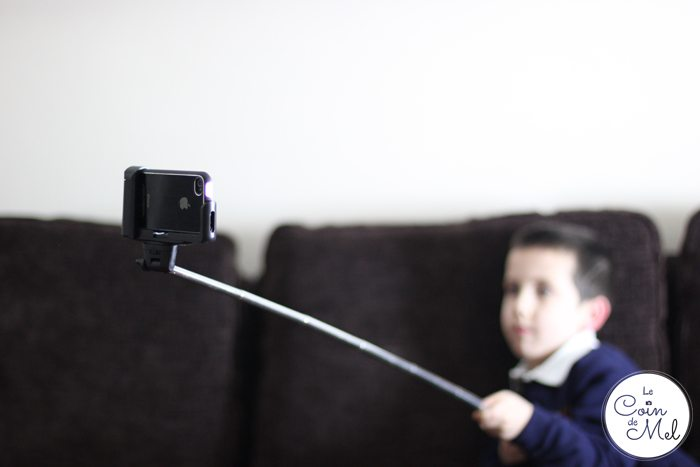Selfie Stick Review - Crevette Taking a Photo