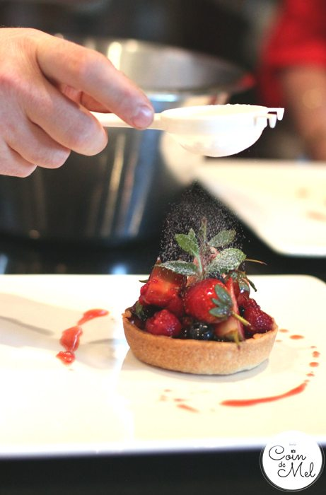 Chocolate tart with red fruits