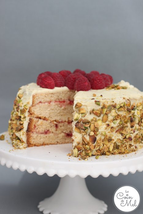 White Chocolate, Vanilla and Raspberry Layer Cake - Delicious, Simple to Make and Decadent