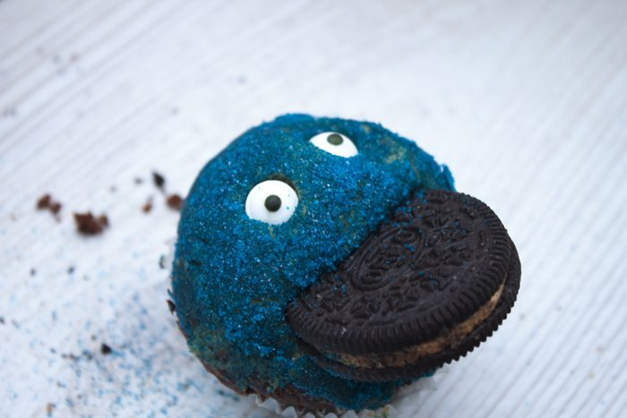 Oreo Peanut Butter Cupcakes - Crevette's Coookie Monster