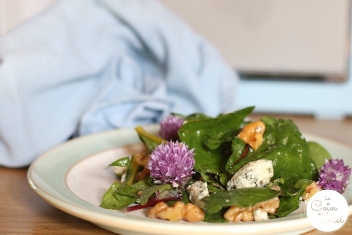 Vicki's Stilton, Walnut and Chive Salad