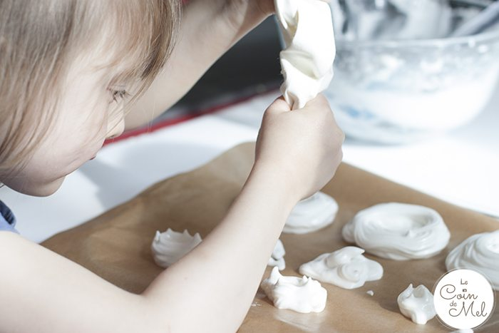 3-Ingredient Vegan Meringues & Vegan Pavlovas Using Aquafaba - My Little Helper