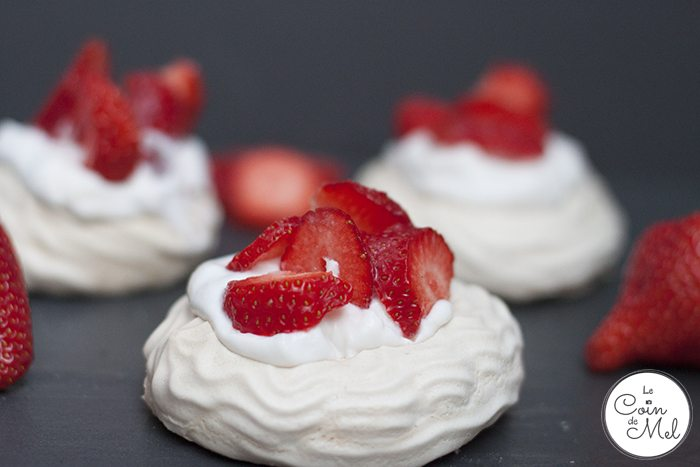 3-Ingredient Vegan Meringues & Vegan Pavlovas Using Aquafaba - Pavlova