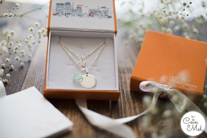 What kind of gifts do you treasure most? The latest tech or thoughtful, personalised gifts? Hand-engraved jewellery by Merci Maman is stunning...
