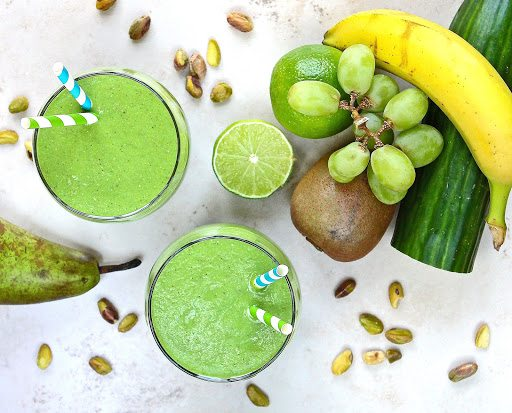 http://www.glutenfreealchemist.com/2017/05/naturally-sweet-raw-green-smoothie.html