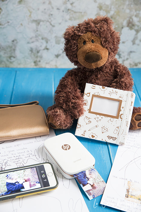 The HP Sprocket Gift Box set is the ideal present for Christmas! Anyone would love it to print perfect little pictures on the go.