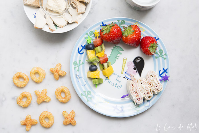 How can you avoid raising children who crave nothing but sugar? Check our 10 fun tips that will help encourage children to try new things like fruit kebabs, wrap sandwiches or a new dip.