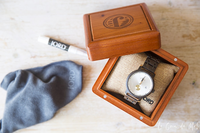 If you like unique watches, read on! JORD wooden watches have a minimalist design and their beautiful beautiful watches are unlike anything I've ever seen before.