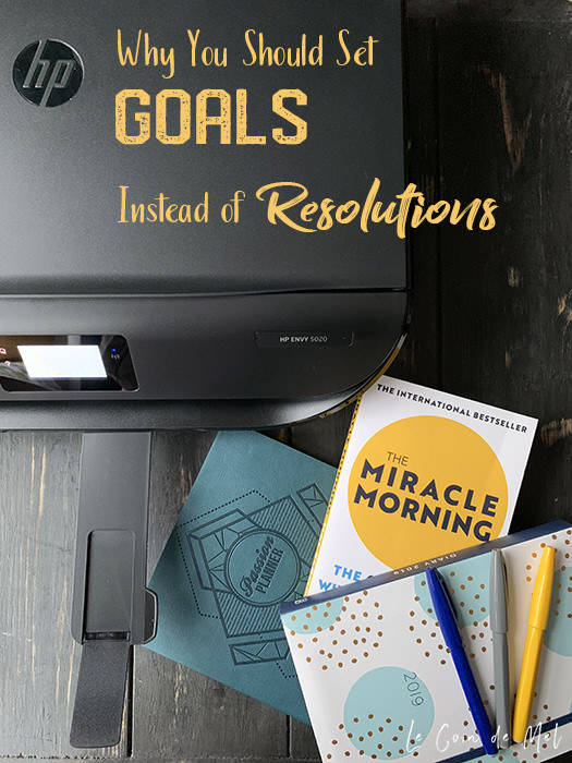 Here are 5 reasons you should be setting goals instead of resolutions for the new year, plus practical tips to stick to your goals & smash your targets.