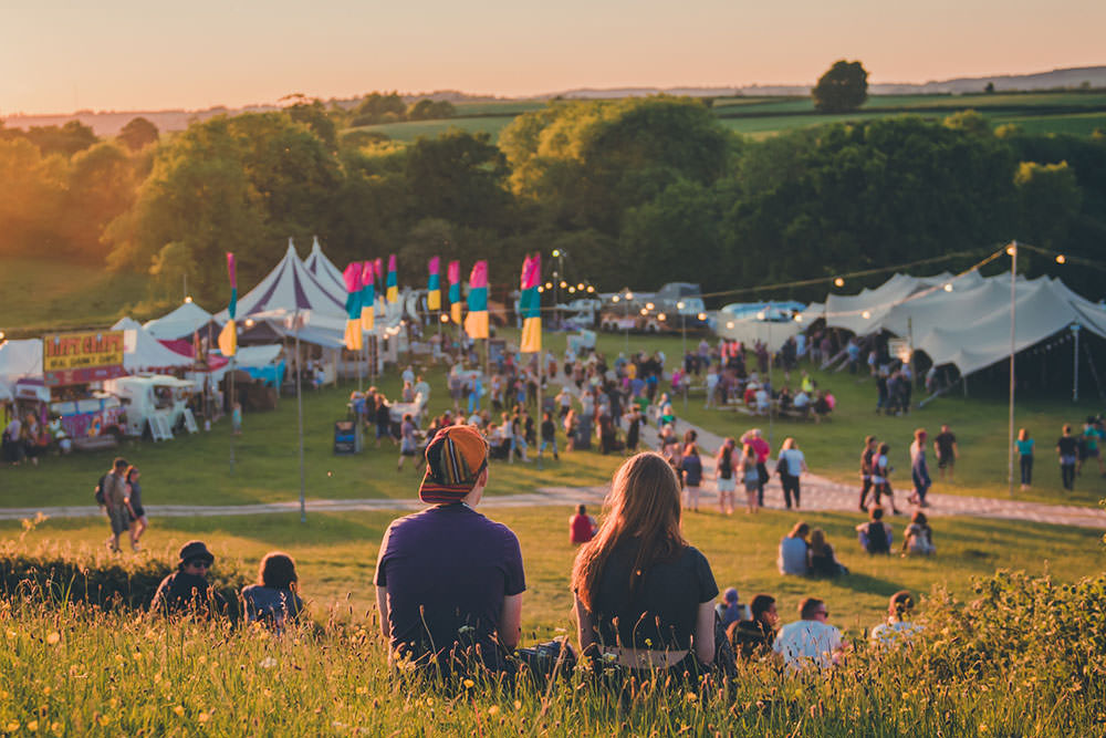 We're off to Shindig Festival in Somerset in the May bank holiday and we can't wait! Climbing wall, circus skills, great line up, pub on site...