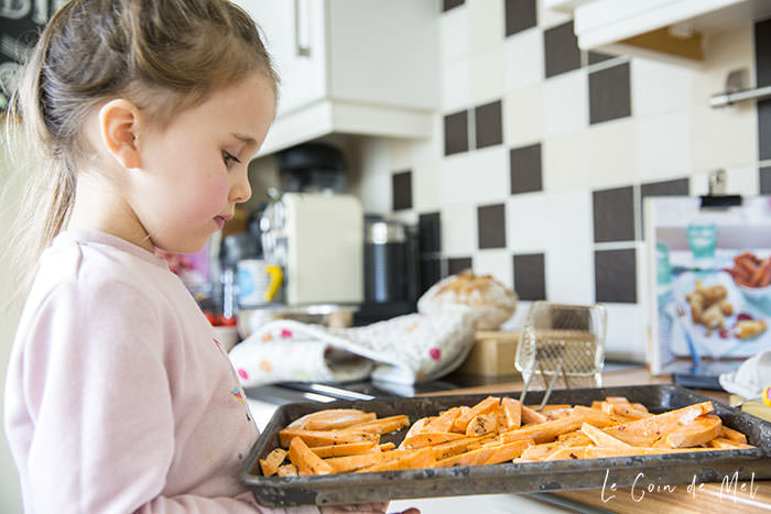 These curried fish fingers & sweet potato chips are free from dairy and gluten, with a healthier cooking method than traditional chips and a the crumb is spiced. My little lady loved making them.