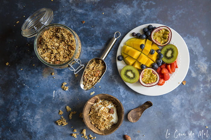 This almond granola is vegan, gluten-free (if using certified GF oats), nutritious, full texture as well as flavours, without any dried fruit.