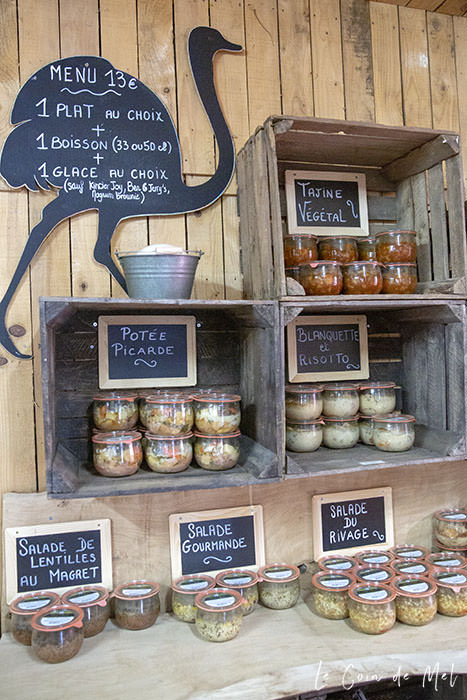 The Menu at La Ferme Souchinet is pretty impressive: not what you'd normally find in a kids' farm. There, for 13 euros, you can get a main meal, a drink and an ice cream of your choice. The meals are in glass jars and are varied (vegan tajine, risotto, lentil salad with magret de canard, tartiflette etc.